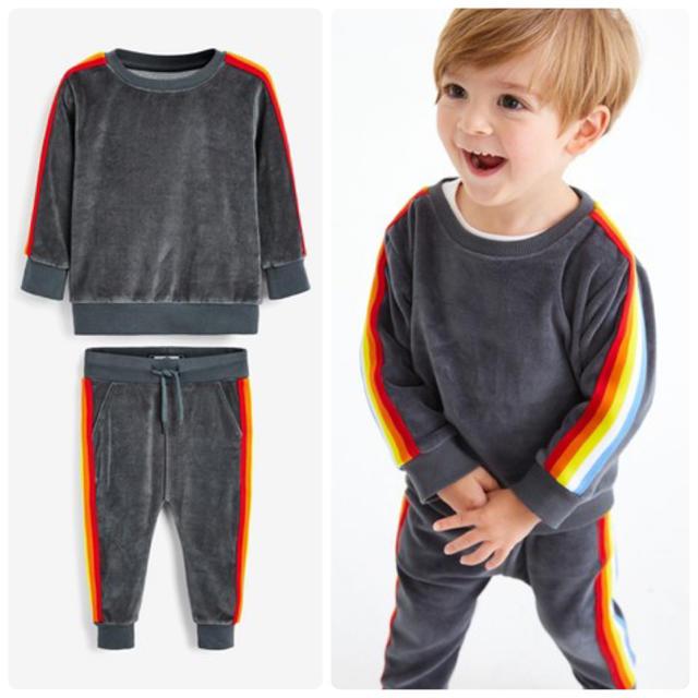 NEXT(ネクスト)の新品!ネクスト ベロア トレーナーとジョガーセット キッズ/ベビー/マタニティのベビー服(~85cm)(トレーナー)の商品写真
