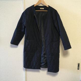 サマンサモスモス(SM2)の美品☆SM2ノーカラーキルティングコートネイビー(ノーカラージャケット)