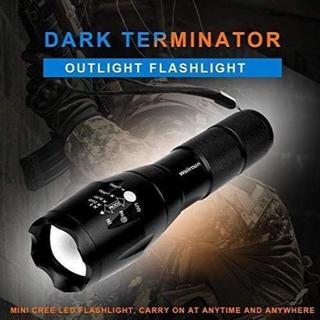 【新品未使用】LED 懐中電灯 強力 超高輝度 ハンディライトSOS点滅 防災