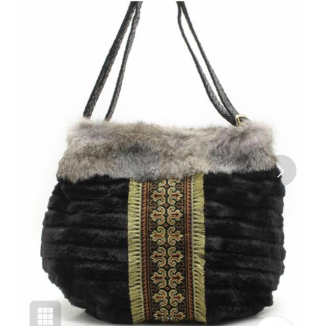 KIRALY(キラリー)の☆KIRALY ラビットファーバッグ 2WEY レディースのバッグ(ハンドバッグ)の商品写真