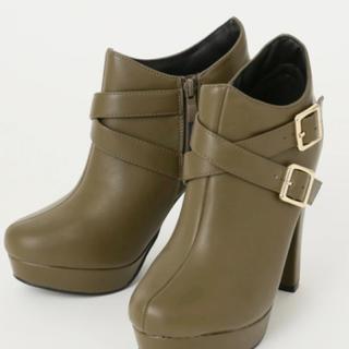 セシルマクビー(CECIL McBEE)のクロスベルト  ブーツ(ブーツ)