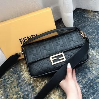 FENDI - 新品 Fendi フェンディ ハンドバッグ ショルダーバッグ