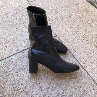 ponpon ショートブーツ(ブーツ)