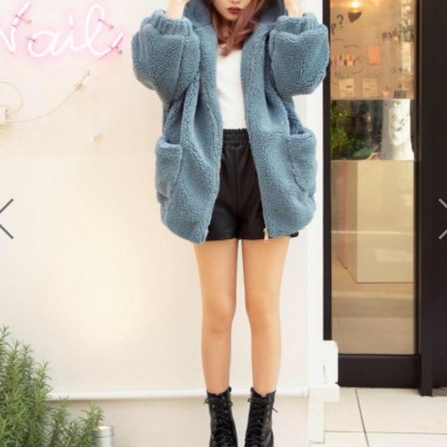 dholic(ディーホリック)のモコモコ パーカー SLY EMODA juetie kastne ザラ ヘザー レディースのジャケット/アウター(毛皮/ファーコート)の商品写真
