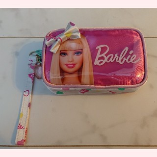 バービー(Barbie)の新品未使用 バービー ポーチ ピンク リボン ハート(ポーチ)