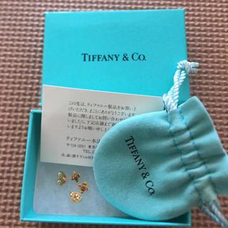 ティファニー(Tiffany & Co.)のティファニー クロスステッチピアス 18k  イエローゴールド(ピアス)