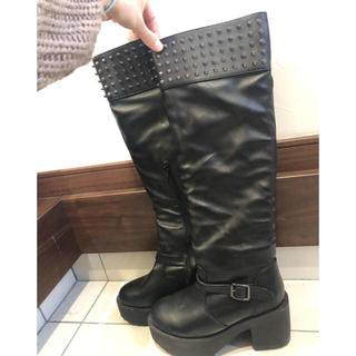グレイル(GRL)のスタッズ黒シルバー厚底ブーツ(ブーツ)