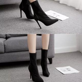 ショートブーツ黒美品(ブーツ)