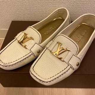 ルイヴィトン(LOUIS VUITTON)のLOUIS VUITTON 靴 フラットシューズ(ローファー/革靴)