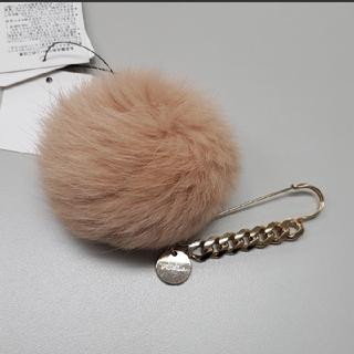 Furla - 【新品タグ付き】フルラ ファーチャーム ストールピン