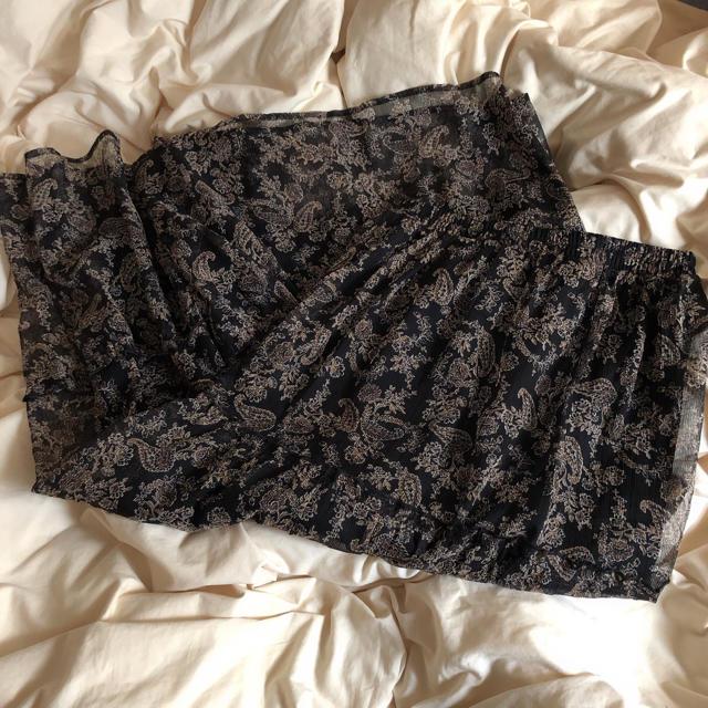 GU(ジーユー)のジーユー ペイズリー柄スカート レディースのスカート(ロングスカート)の商品写真