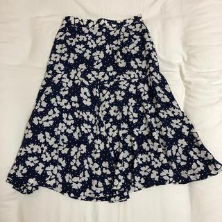 【美品】ASSISI ❁ 花柄スカート(ひざ丈スカート)