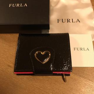 フルラ(Furla)の極美品♡フルラ♡二つ折り財布♡ハート♡パテントレザー(折り財布)