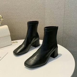 新作 オルチャン  スクエアアンクルブーツ 革靴  ブラック (ブーツ)