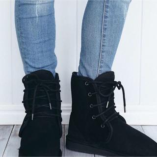 アグ(UGG)の【新品】アグ  UGG ブーツ シープスキン 本革 キャメル ブラック モカシン(ブーツ)
