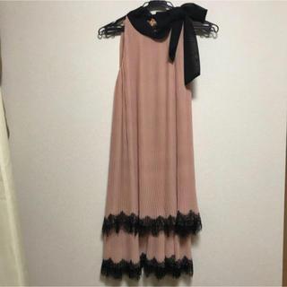 クリアインプレッション(CLEAR IMPRESSION)のプリーツワンピース ドレス  くすみピンク(ひざ丈ワンピース)