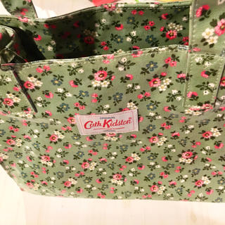 Cath Kidston - 【美品】キャスキッドソン バッグ グリーン 花柄