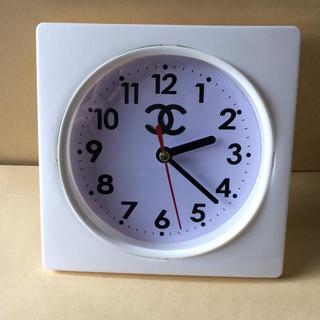CHANEL - ラスト1個!新品 ノベルティースクエア型 掛け時計