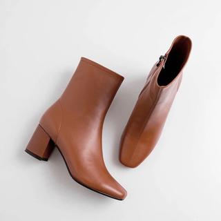 イエナスローブ(IENA SLOBE)の【即発送】 新品 本革 スクエア ショートブーツ 23.5cm レザー(ブーツ)