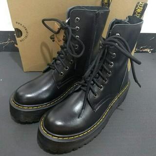 Dr.Martens - uk6 超美品Dr.Martensレディース 8ホール ブーツ 厚底 靴 正規品