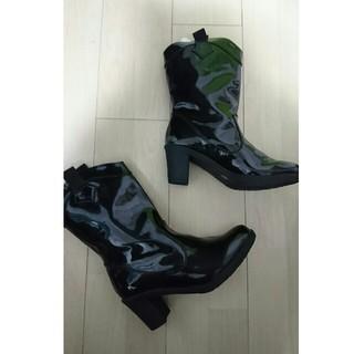 難あり 新品タグ付き レインブーツ 長靴 エナメルブラック サイズM(レインブーツ/長靴)