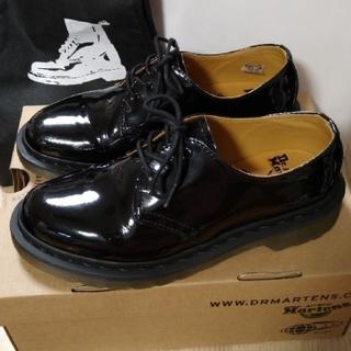 ドクターマーチン(Dr.Martens)の【別注】Dr.Martens×BEAMSパテント3ホール🔷エナメル【UK4】(ローファー/革靴)