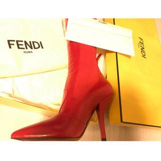 フェンディ(FENDI)のFENDI フェンディ ニーハイブーツ 赤 新品未使用(ブーツ)