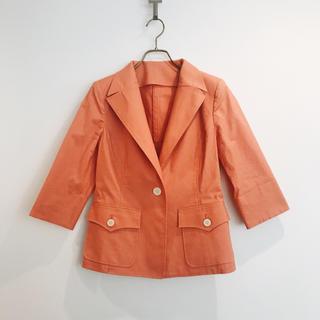 ミツコシ(三越)のPrime Nova サーモンピンク テーラードジャケット 美品(テーラードジャケット)