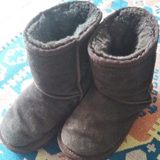 アグ(UGG)の17cm  UGGムートンこげ茶(ブーツ)