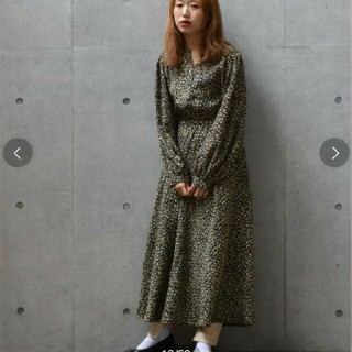 w closet - ダブルクローゼット 小花柄ワンピース