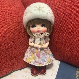 羊毛フェルト 雪華帽子(シャインシルバー)(人形)