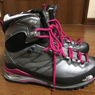 ザノースフェイス(THE NORTH FACE)のノースフェイス登山靴39000円の品(登山用品)