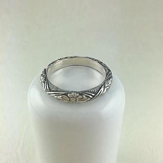新品 スティーブンデュエック お花彫りリング 15号(リング(指輪))