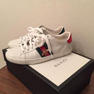 Gucci - 定価90200円 GUCCI  エンブロイダリースニーカー  蜂