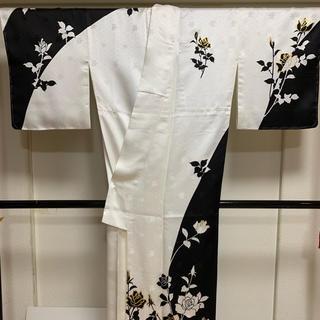 訪問着  あわせ  袷  白地  バラ  柄  染め  白と黒とゴールドシンプル(着物)