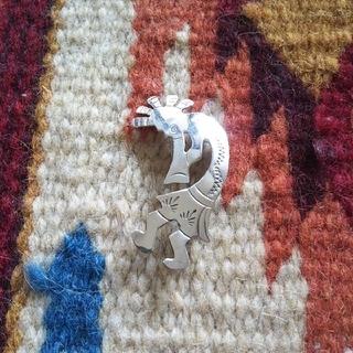インディアン(Indian)のインディアンジュエリー ココペリ ブローチ HB sterling 925(その他)