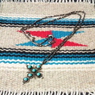 インディアン(Indian)のインディアンジュエリー ズニ族 ターコイズ 十字架 クロス シルバーネックレス(ネックレス)