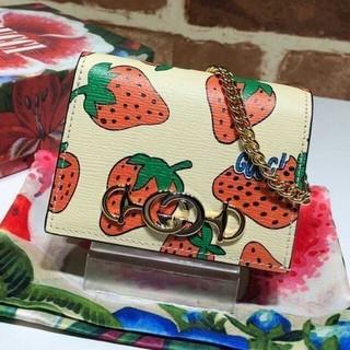 Gucci - 新品 Gucci いちご 二つ折り財布