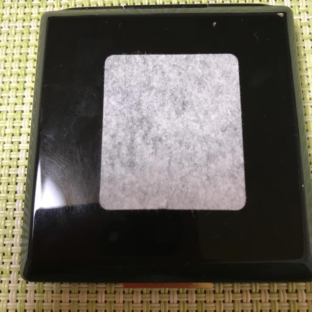 クレ・ド・ポー ボーテ(クレドポーボーテ)のクレ・ド・ポーボーテ 超薄型ケースの固形白粉 コスメ/美容のベースメイク/化粧品(フェイスパウダー)の商品写真