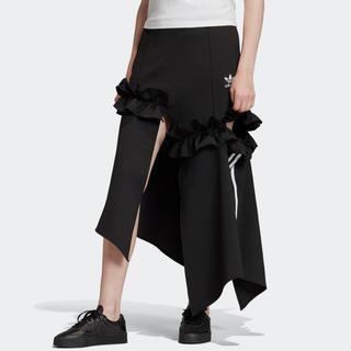adidas フリルスカート