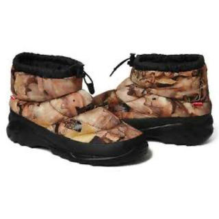 シュプリーム(Supreme)のSupreme × The North Face Nuptse boots(ブーツ)