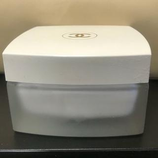 CHANEL - シャネル ココマドモアゼル ボディクリーム 150g 中古 箱なし