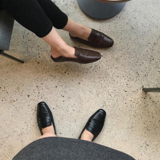 トゥデイフル(TODAYFUL)のponpon 2way loafer(ローファー/革靴)