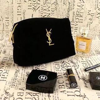 Yves Saint Laurent Beaute - (新品)刺繍入りイブサンローラン ポーチです。