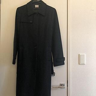 ニジュウサンク(23区)のロングコート 濃いグレー ベルト付き(ロングコート)