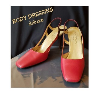 ボディドレッシングデラックス(BODY DRESSING Deluxe)のBODY DRESSING deluxe 赤バックベルトパンプス(ハイヒール/パンプス)