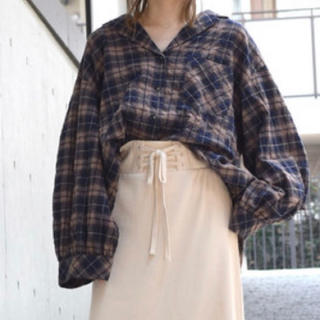 ダブルクローゼット(w closet)の裾アジャスター開襟シャツ羽織り(シャツ/ブラウス(長袖/七分))