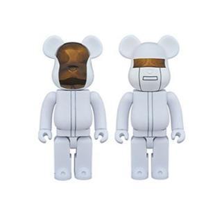 メディコムトイ(MEDICOM TOY)のベアブリック Daft Punk WHITE SUITS 400%×2体 (その他)