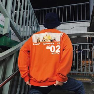 【オレンジ/Lサイズ】オーバーサイズ プリント トレーナー(パーカー)