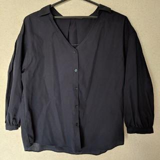 ジーユー(GU)のGU 紺 シャツ(シャツ/ブラウス(長袖/七分))